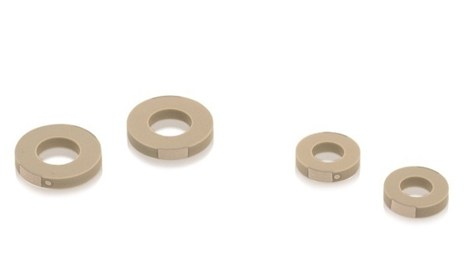 PICMA® Chip rings and discs are available in different variants with up to 16 mm in diameter