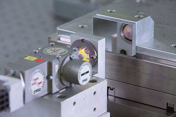 Measuring high-precision piezo positioning systems